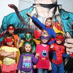 Супергерои и перчатка бесконечности